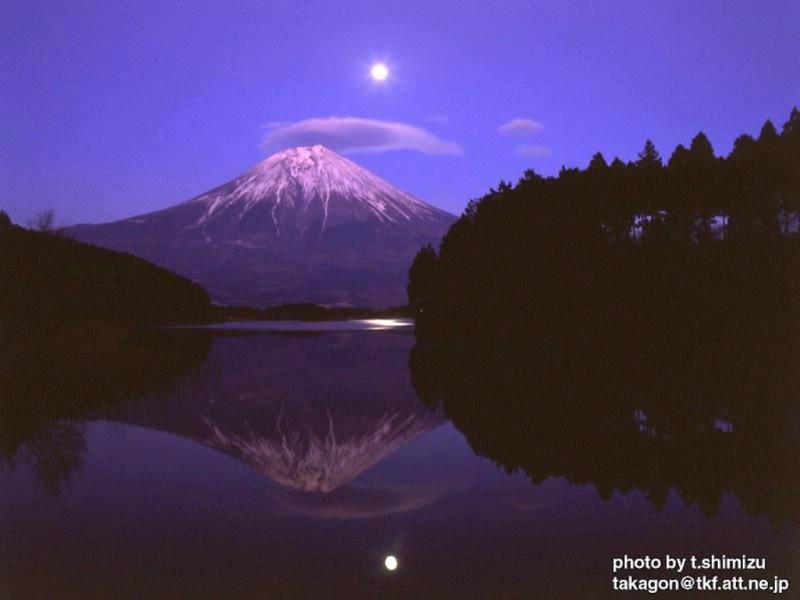 变幻七彩富士山素材