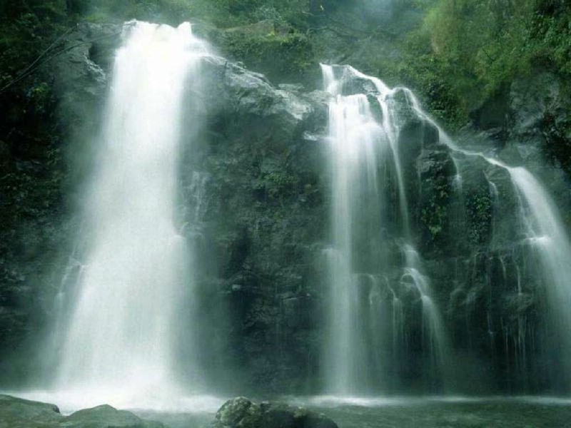 壁纸桌面护眼风景瀑布,动态山水瀑布风景桌面,瀑布 .