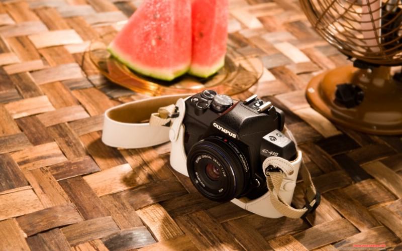 Olympus 奥林巴斯相机纪念壁纸 三 奥林巴斯E 410 数码相机 Oplympus E410 Digital SLR Camera壁纸 Olympus 奥林巴斯相机三壁纸 Olympus 奥林巴斯相机三图片 Olympus 奥林巴斯相机三素材 广告壁纸 广告图库 广告图片素材桌面壁纸