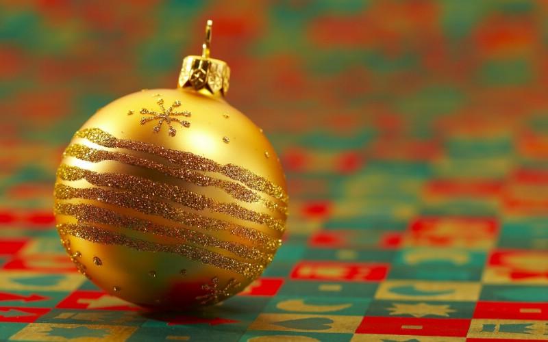 金黄色圣诞节彩球图片 圣诞树彩球图片壁纸 五彩圣诞节彩球壁纸壁纸 五彩圣诞节彩球壁纸图片 五彩圣诞节彩球壁纸素材 节日壁纸 节日图库 节日图片素材桌面壁纸