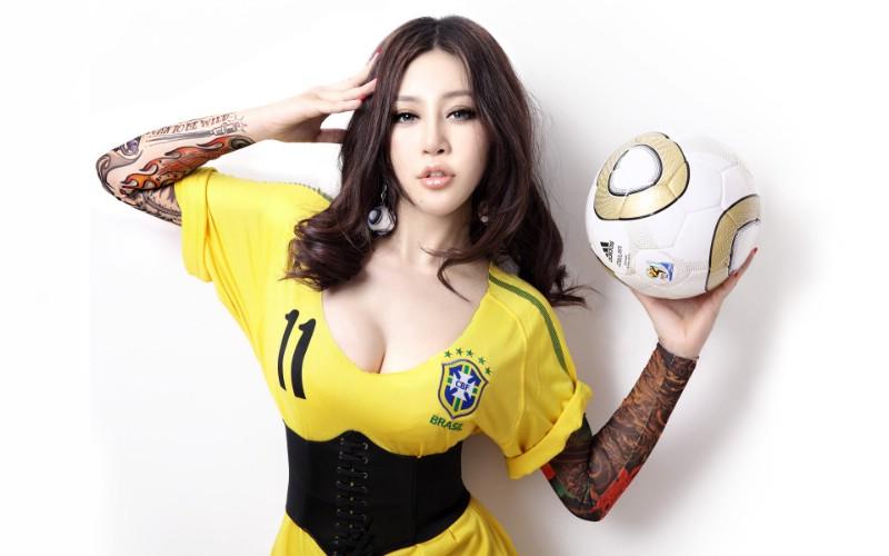 足球宝贝美女 多分辨率 壁纸101920x1200壁纸