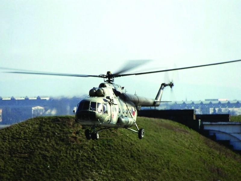 AV 8B战机 Mi 17直升机壁纸 壁纸7壁纸 AV8B战机 Mi壁纸 AV8B战机 Mi图片 AV8B战机 Mi素材 军事壁纸 军事图库 军事图片素材桌面壁纸