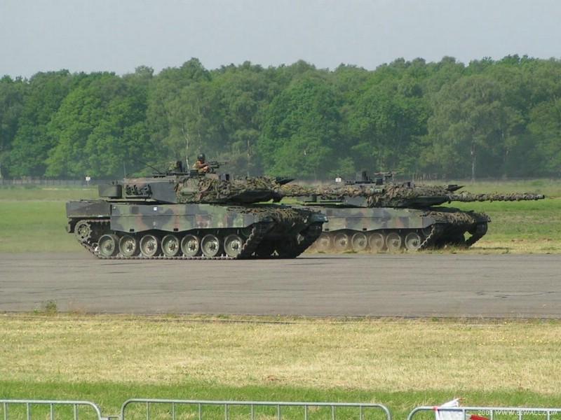 面向21世纪的豹2A5和豹2A6型壁纸 面向21世纪的豹2A5和豹2A6型壁纸 面向21世纪的豹2A5和豹2A6型图片 面向21世纪的豹2A5和豹2A6型素材 军事壁纸 军事图库 军事图片素材桌面壁纸