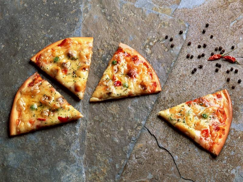 Pizza 2 18壁纸 Pizza壁纸 Pizza图片 Pizza素材 美食壁纸 美食图库 美食图片素材桌面壁纸