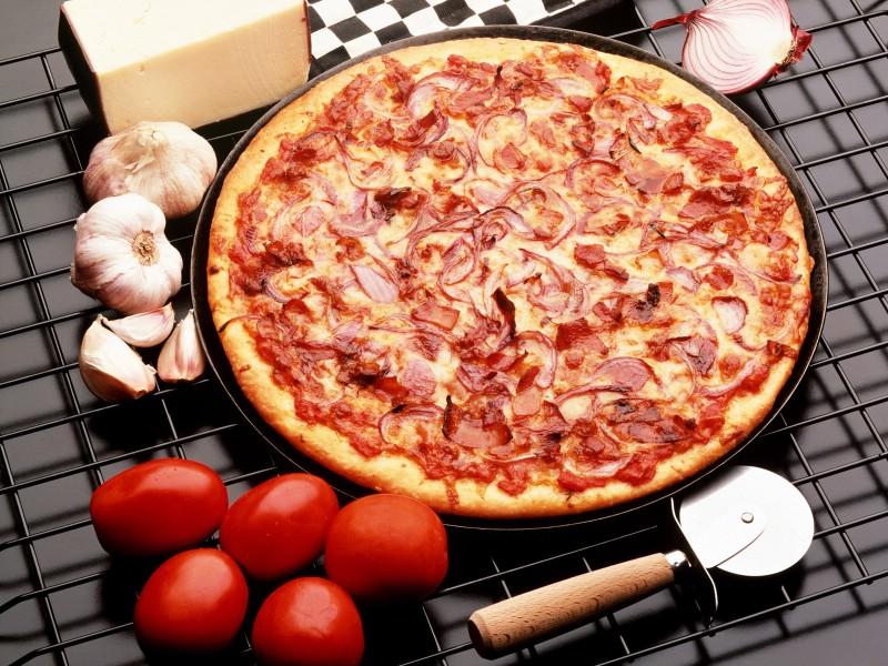 Pizza 2 4壁纸 Pizza壁纸 Pizza图片 Pizza素材 美食壁纸 美食图库 美食图片素材桌面壁纸