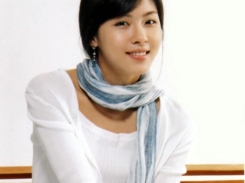 世界第一美女_全球第一美女PK日本女星难服众泰勒高贵征服