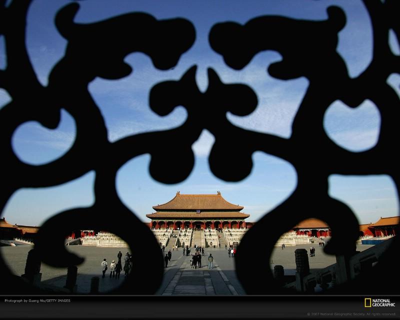 北京印象 国家地理摄影师眼中的北京新风貌 窗饰后的紫禁城金銮殿 Beijing The Forbidden City壁纸 北京印象国家地理摄影师眼中的北京新风貌壁纸 北京印象国家地理摄影师眼中的北京新风貌图片 北京印象国家地理摄影师眼中的北京新风貌素材 人文壁纸 人文图库 人文图片素材桌面壁纸