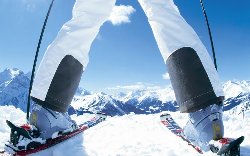 滑雪圣地 阿尔卑斯山度假壁纸 滑雪前的准备图片壁纸壁纸 滑雪圣地阿尔卑斯山度假壁纸壁纸 滑雪圣地阿尔卑斯山度假壁纸图片 滑雪圣地阿尔卑斯山度假壁纸素材 人文壁纸 人文图库 人文图片素材桌面壁纸