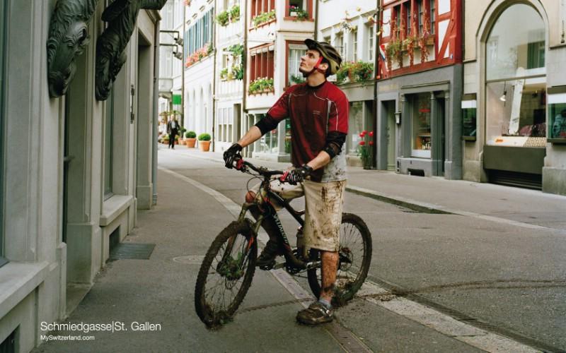 世界公园 瑞士夏季旅游名胜 Schmiedgasse St Gallen 最具传统的施密德街图片壁纸壁纸 世界公园瑞士夏季旅游名胜壁纸 世界公园瑞士夏季旅游名胜图片 世界公园瑞士夏季旅游名胜素材 人文壁纸 人文图库 人文图片素材桌面壁纸