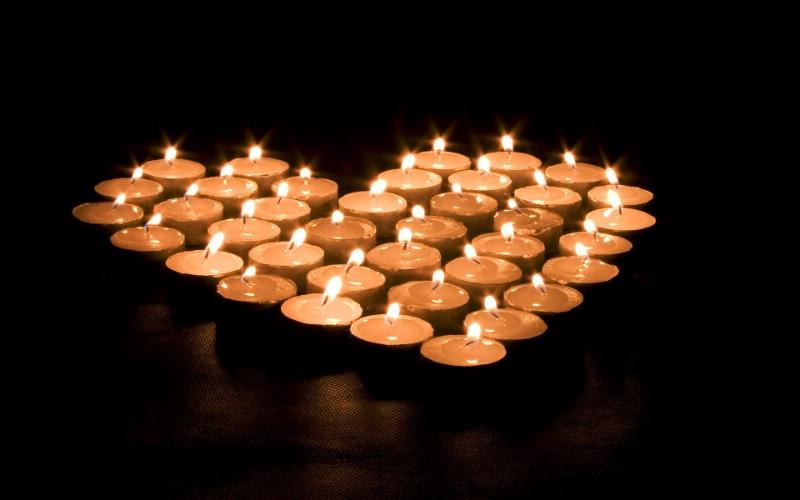 1920x1200 祝福的烛光 纪念汶川地震 纪念的烛