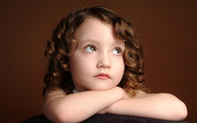 可爱儿童摄影 白日梦小女孩图片壁纸