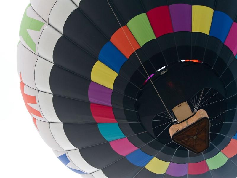 五彩热气球 1 3壁纸 五颜六色 五彩热气球 第一辑壁纸 五颜六色 五彩热气球 第一辑图片 五颜六色 五彩热气球 第一辑素材 炫彩壁纸 炫彩图库 炫彩图片素材桌面壁纸